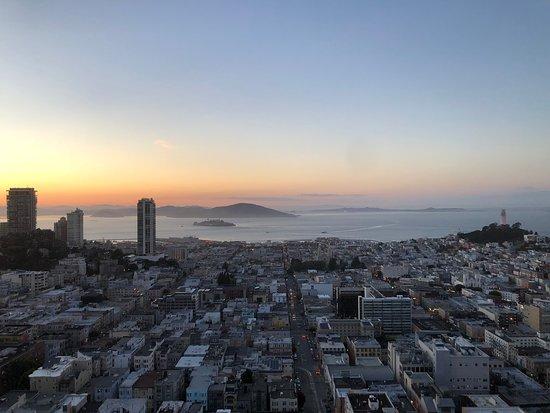Fairmont San Francisco: Sunrise over SFr