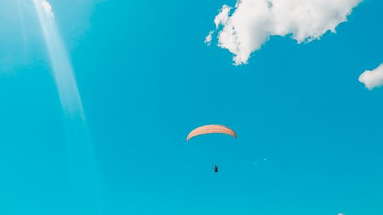 Paragliding Philippines: flying solo