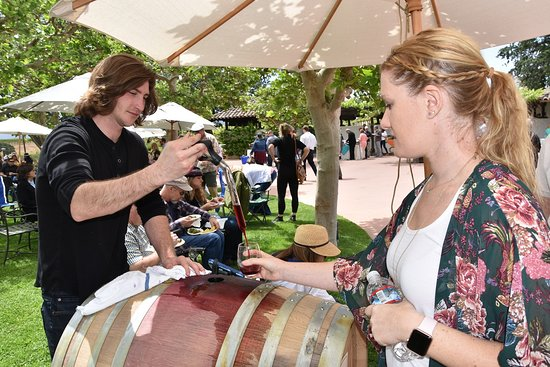 Gainey Vineyard: Eric normally pours at Evan's Ranch ... but not with a Wine Thief !