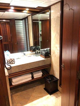 Melia Bali: Bathroom