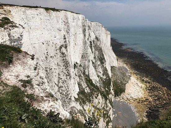 The White Cliffs of Dover: Seitenansicht der berühmten Kreidefelsen