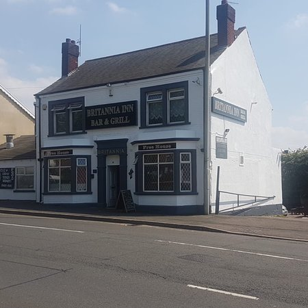 Dudley, UK: Great atmosphere traditional Indian food just started doing karaoke every Friday from 7pm wide r