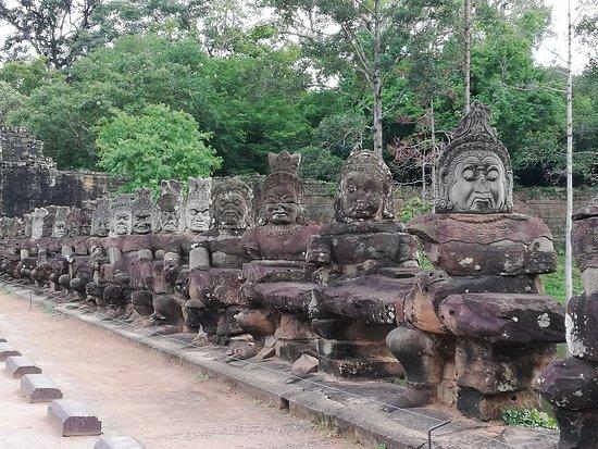 Cambodian Driver & Tour: Cambodiandriver.com