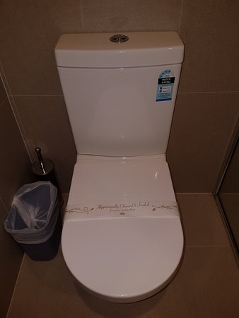 Ciloms Airport Lodge: Clean Bathroom.