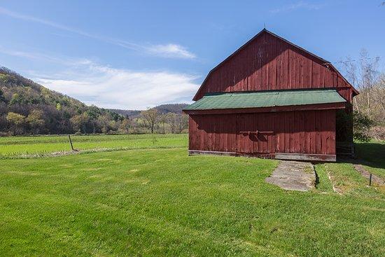 Beautiful rustic wedding barn at Mckie Hollow Farm