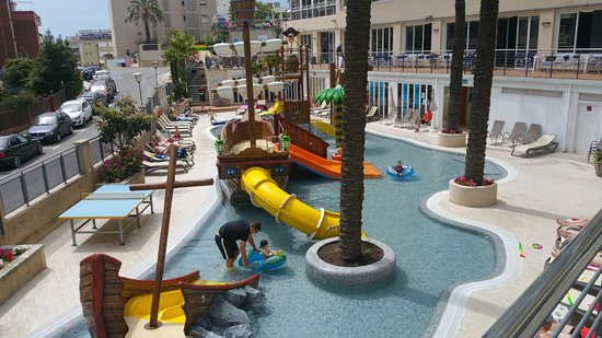 Hotel Oasis Park Splash : 20180522_111625_large.jpg
