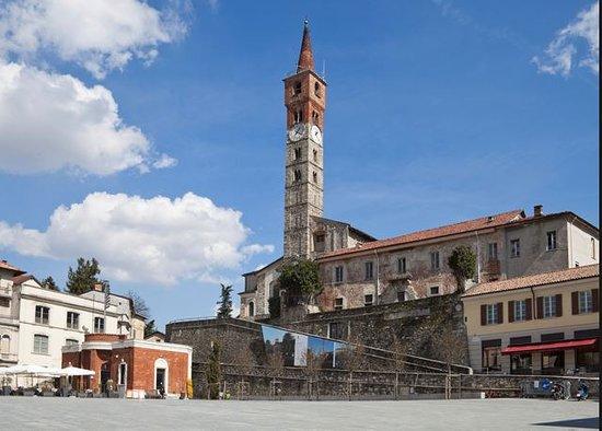 Cantu, Italy: Cantù - Piazza Garibaldi