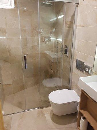 Besenova, Slovakia: Koupelna