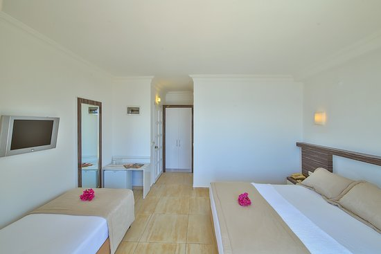 Linda  Boutique Class Hotel: Triple Room with Sea View