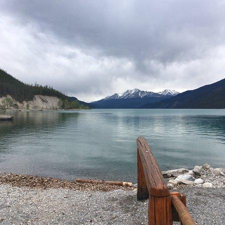 Muncho Lake, Canada: photo3.jpg