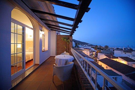 Terraza Habitación Doble Con Vistas Al Mar Y Al Pueblo De