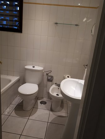 Sunset Bay Club by Diamond Resorts: First bathroom