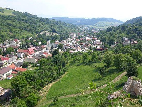 Lednica Castle