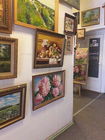 Rukotvornaya Mstyora: У нас можно увидеть множество картин Владимирских художников.