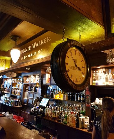 The Irish Rover: Great Irish pub