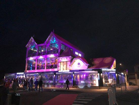 Le Cafe Maritime - Lacanau: Café Maritime Lacanau