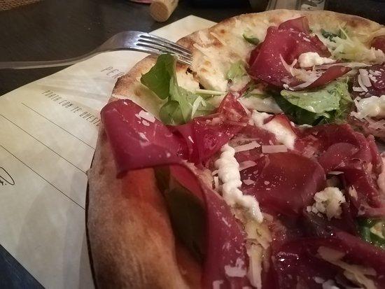 Foconè: Pizza Martina ( rucola , bresaola , stracchino , grana e mozzarella)