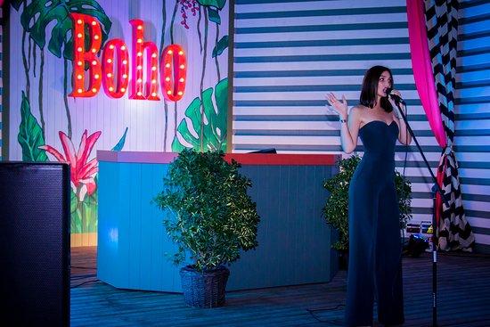Restaurant Boho: самые популярные хиты в исполнении очаровательной NATTY!