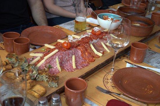 Traun, Austria: Kleine Appetizer zum Aperitif...