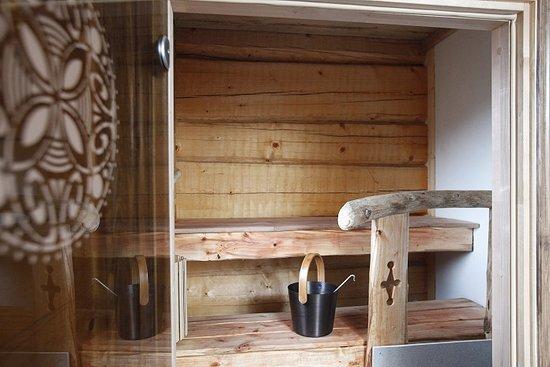 Kuppari-Hanna's Natural Health Spa: Wood-heated sauna - do it the Finnish way!