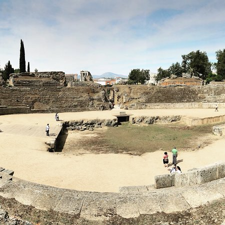 Roman Theater (Teatro Romano) ภาพถ่าย