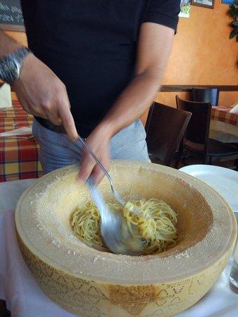 Ristorante Lungomare: Trufando la pasta