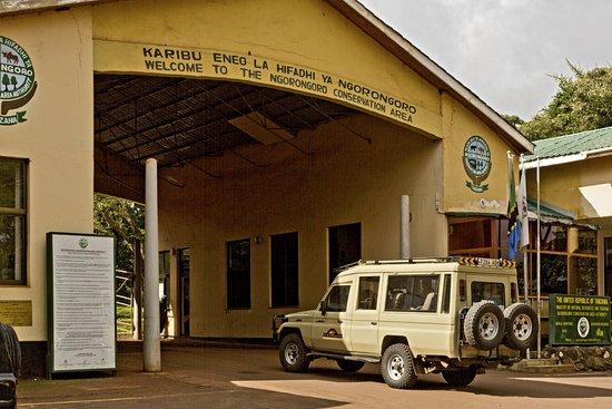 Predator Safari -4 Days: Lodoare Gate, the entrance to Ngorongoro