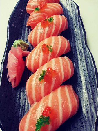 S'Agaró Sushi: salmón salvatge amb tobiko