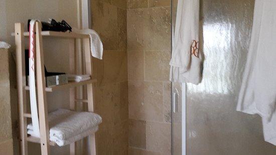 Grazie, Италия: Bagno con grande piatto doccia