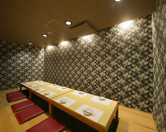Hommachi Naniwa Hanako: 個室座敷 掘りごたつ式
