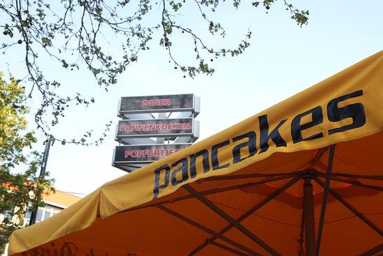 Dutch Diner: Diner, Pannenkoeken, Poffertjes