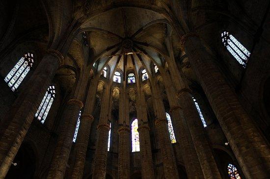 มหาวิหารเซนต์แมรีออฟเดอะซี: 教会の内部