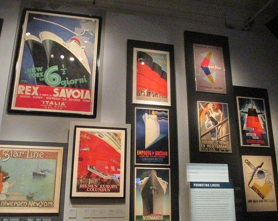 พิพิธภัณฑ์วิคตอเรียแอนด์อัลเบิร์ต: A wall display of the iconic travel posters for the liner companies