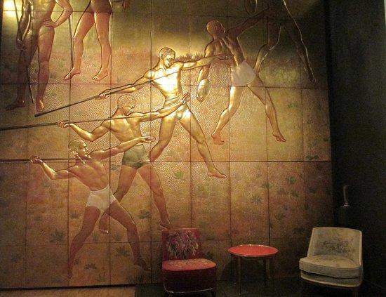 พิพิธภัณฑ์วิคตอเรียแอนด์อัลเบิร์ต: A decorative wall panel from the Normandie