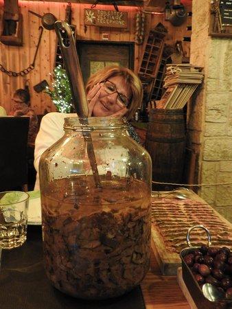 Beuil, Γαλλία: le bocal de sanguins!!!