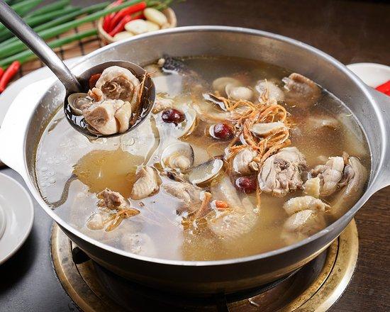 Lao Er Local Chicken: 人篸雞湯