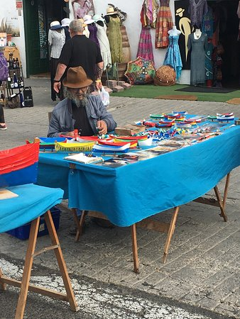 Teguise Market: local crafts