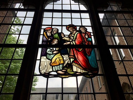 Klooster Sint Agatha: Glas in lood in het klooster
