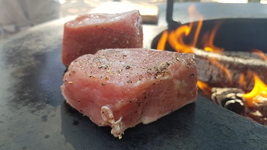 Pink Cricket beach bar & restaurant: Fire, tuna and John Dory stakes 3.