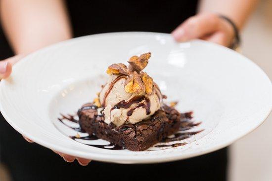 Granary Restaurant : Tempting homemade desserts.
