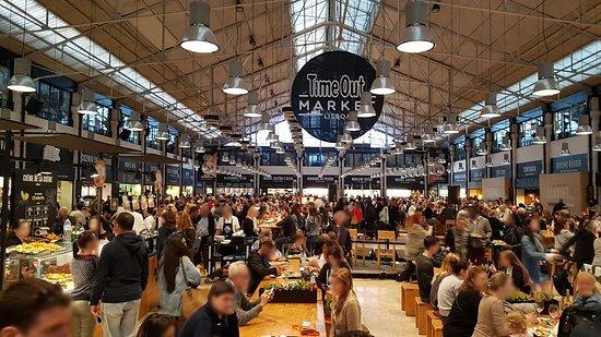 Time Out Market Lisboa: Vue intérieure