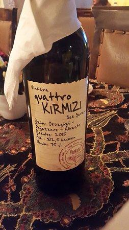 Old Ottoman Cafe & Restaurant: Очень приличное красное вино