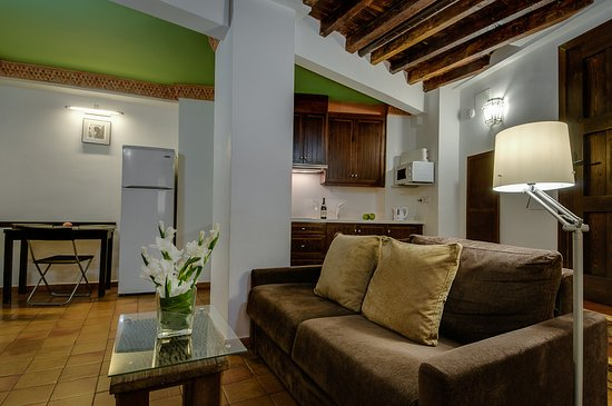 Apartamentos Muralla Ziri: Jacuzzi apartamento/apartment, available only in our Website!
