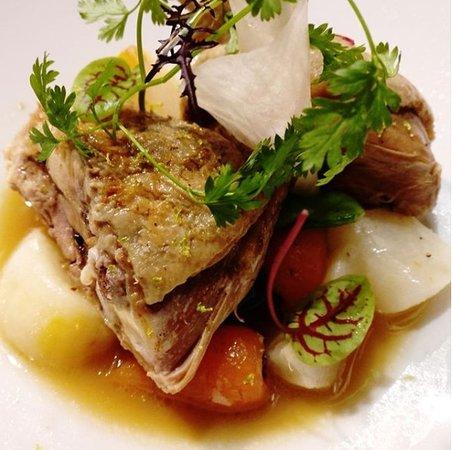Restaurant Le Karo : Cuisse de canard de Challans comme un pot au feu aux agrumes et épices.