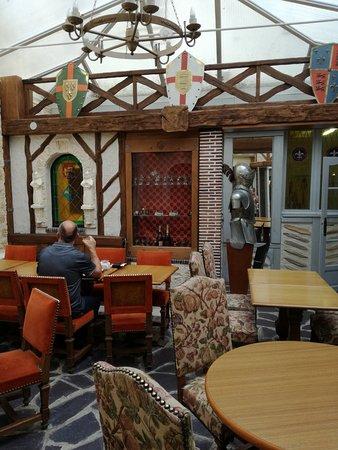 Brit Hotel Les Comtes de Champ : ontbijt ruimte