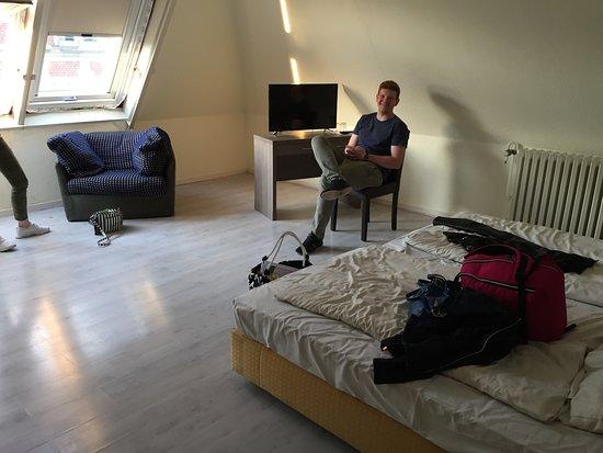 Hotel CityInn: 4-Bett-Zimmer. Sehr geräumig.