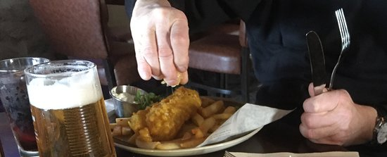 The Red Lion Pub: Fish and chips