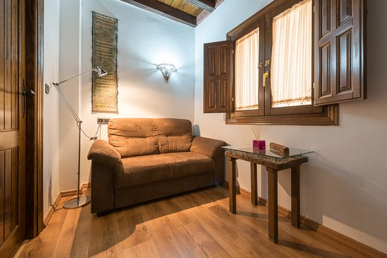 Apartamentos Muralla Ziri: Suite Premium con/with jacuzzi. Available in our Website and in one more!