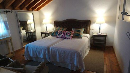 Hotel Cortijo del Arte: Dormitorio de la habitación dúplex