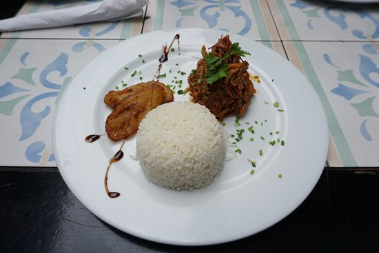 Food Tours Havana: Ropa Vieja and Fried plantains with rice